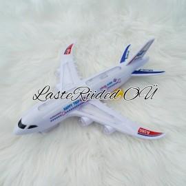 Vilkuv ja liikuv lennuk