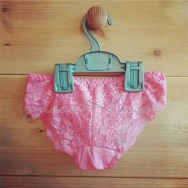 Naiste ilusa pitsiga aluspüksid