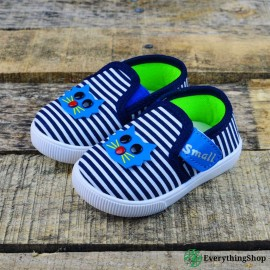 Children's tennis shoes